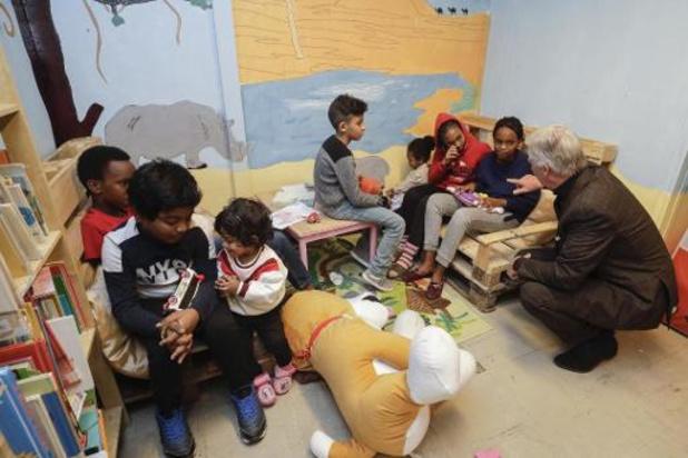 Koning Filip bezoekt opvangcentrum voor daklozen in Brussel