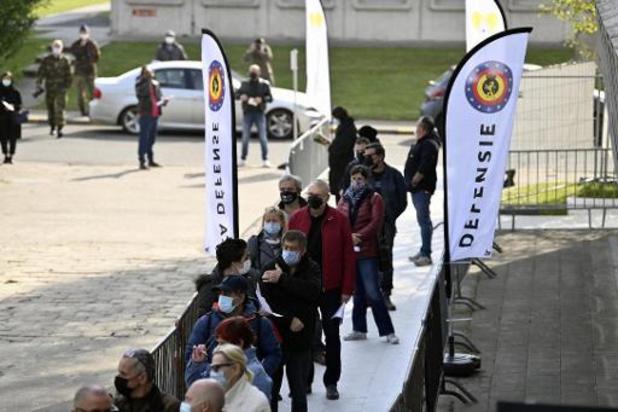 L'Hôpital militaire a ouvert ses portes pour la vaccination à Bruxelles