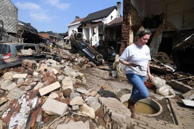 Hulpaanbiedingen blijven binnenlopen op S.O.S. Overstromingen Inondations
