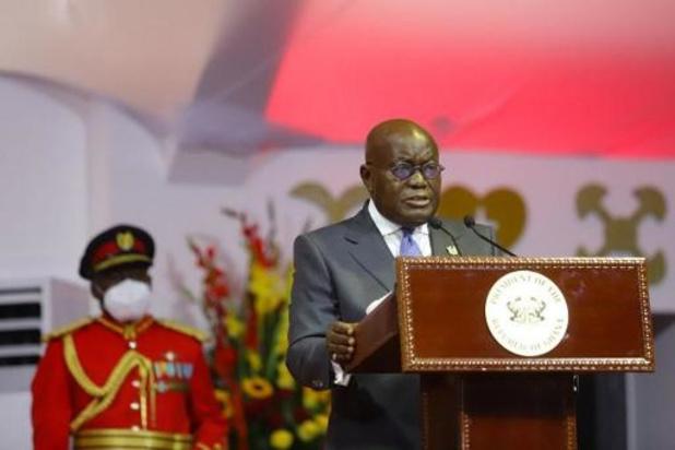 Le président ghanéen reçoit la première injection de vaccin Covax dans le monde