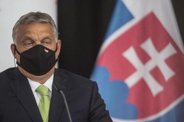 La Hongrie ne suivra pas les recommandations de voyage de l'UE