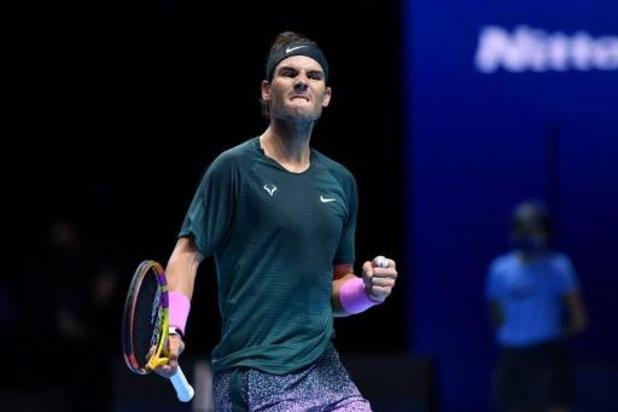 ATP Finals - Nadal plaatst zich ten koste van titelverdediger Tsitsipas voor halve finales