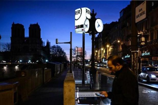 Openbaar vervoer verstoord en honderden kilometers file in Parijs