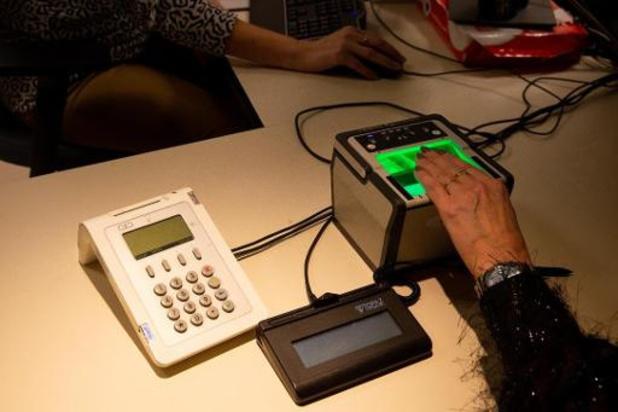 Ook Antwerpen start met vingerafdrukken op nieuwe e-ID's