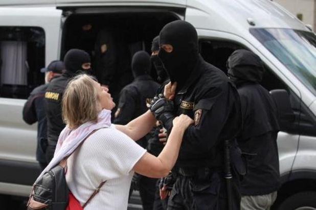 Des milliers de femmes manifestent contre Alexandre Loukachenko