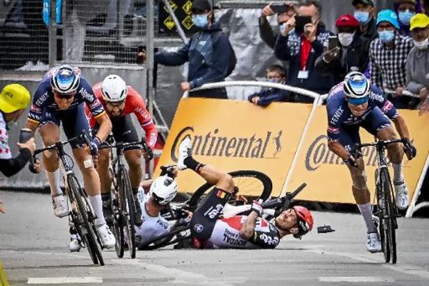 Tour de France : les coureurs prendront le départ de la 4e étape et demandent d'adapter la règle des 3 km