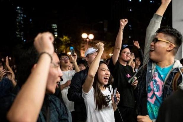 Onrust Hongkong - Prodemocratische kamp groeit sterk bij verkiezingen