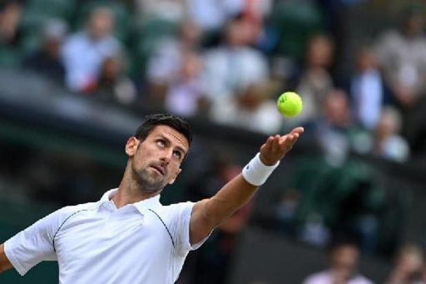 Djokovic voor de tiende keer naar halve finale Wimbledon