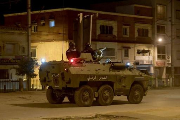 Le gouvernement tunisien déploie l'armée après des heurts entre police et manifestants
