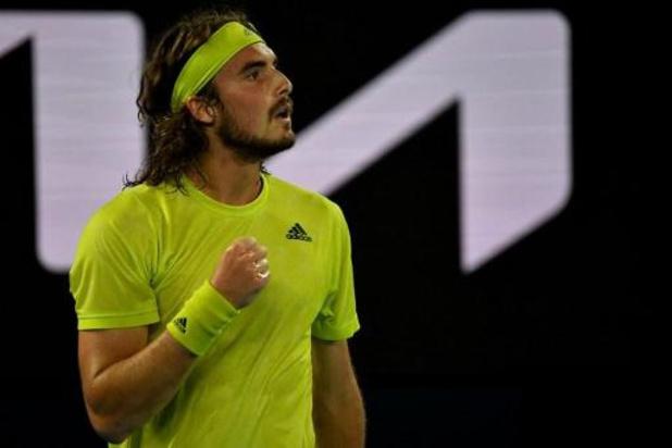 Mené deux sets à zéro, Tsitsipas renverse Nadal et file en demi-finale