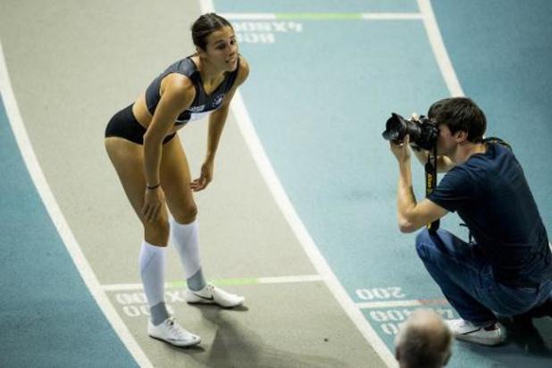"""BK atletiek indoor - Camille Laus wint 400 meter in persoonlijk record: """"Hele week naar filmpjes gekeken"""""""