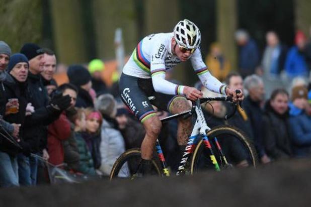 Mathieu van der Poel renoue avec la victoire dans le cross des raisins à Overijse