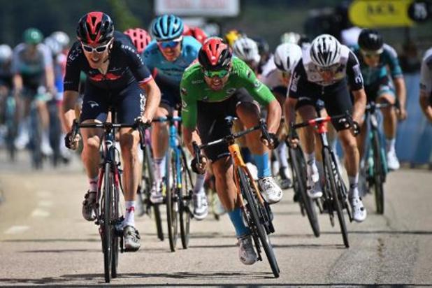 Geraint Thomas verrast sprinters in vijfde etappe in Critérium du Dauphiné