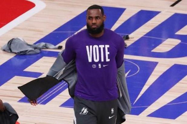 LeBron James loodst Lakers voorbij Cleveland