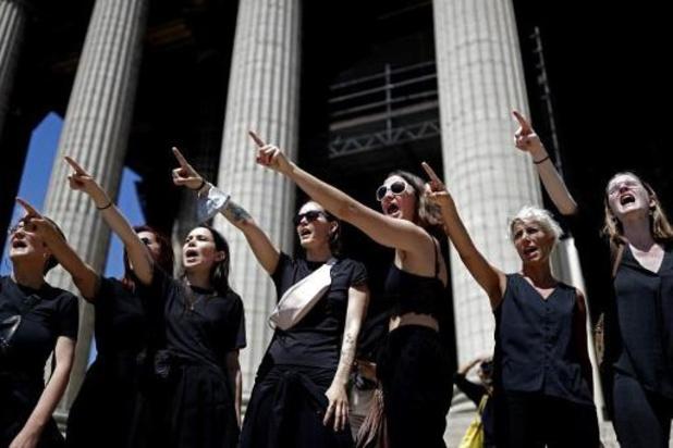 """France: des féministes dénoncent un """"remaniement de la honte"""" au gouvernement"""