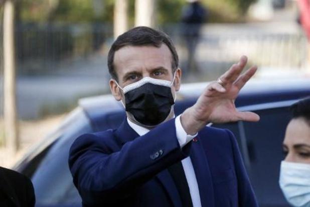 """France: Macron demande de """"tenir"""" encore """"4 à 6 semaines"""" avant des assouplissements"""