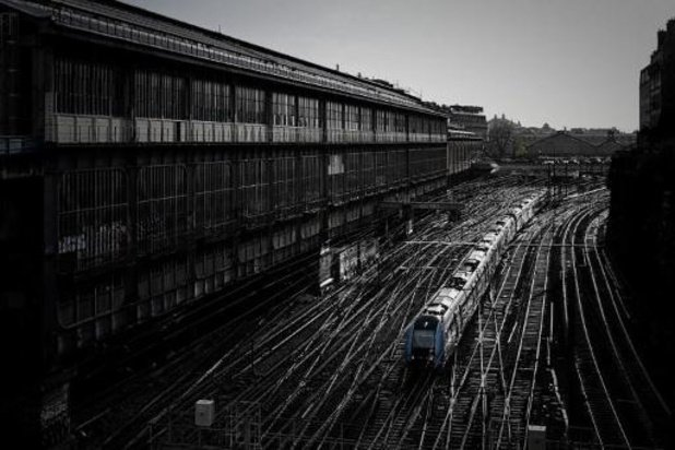 """Trafic SNCF encore """"très perturbé"""" mardi, avec 1 TGV sur 4 et 1 Transilien sur 5"""