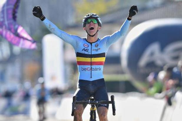 Thibau Nys sacré champion du monde juniors de cyclocross