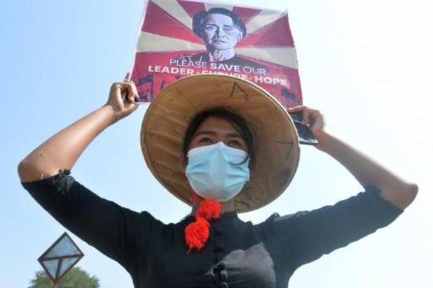 Internet quasi entièrement fermé pour la troisième nuit de suite à Myanmar