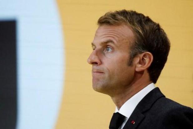 A six mois de la présidentielle, le duel Macron-Le Pen vacille