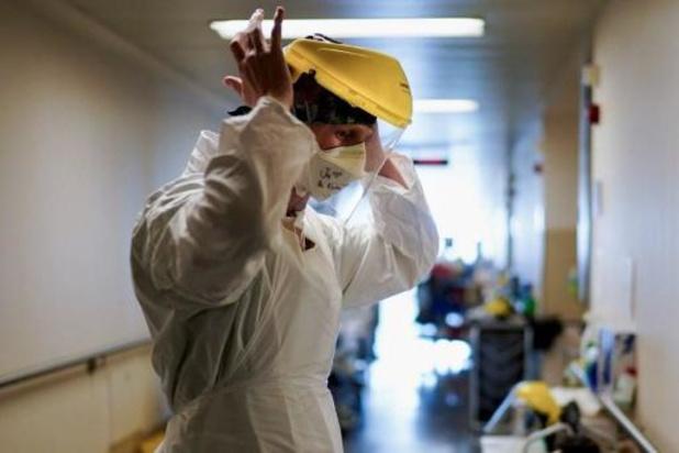 Coronavirus: les contaminations et les hospitalisations en hausse