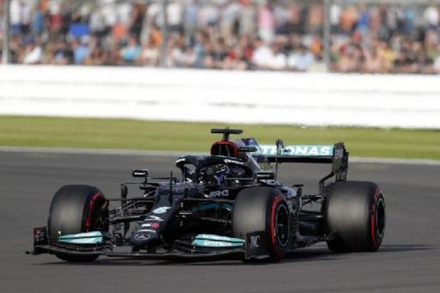 Hamilton is voor eigen publiek de snelste in kwalificaties voor sprintrace