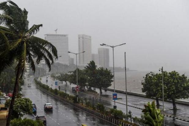 Cycloon Nisarga laat Mumbai links liggen