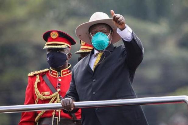 Le président ougandais Museveni prête serment sous haute sécurité