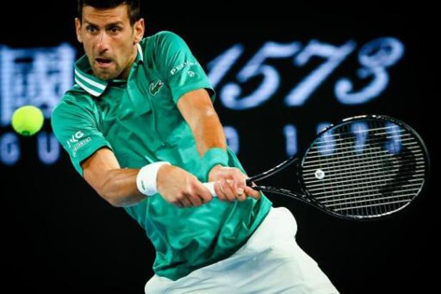 Titelverdediger Djokovic heeft vijf sets nodig tegen Taylor Fritz