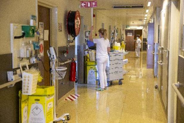 """""""On devrait avoir environ 500 lits occupés en soins intensifs à la fin mai"""""""