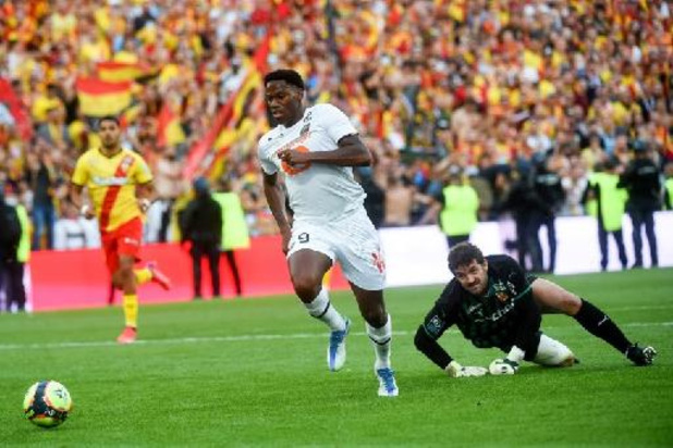 Les Belges à l'étranger - Lens remporte un derby du Nord très chahuté