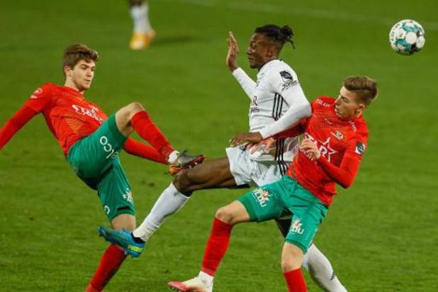 Jupiler Pro League - KV Oostende blijft op draw steken tegen 10 man van Eupen