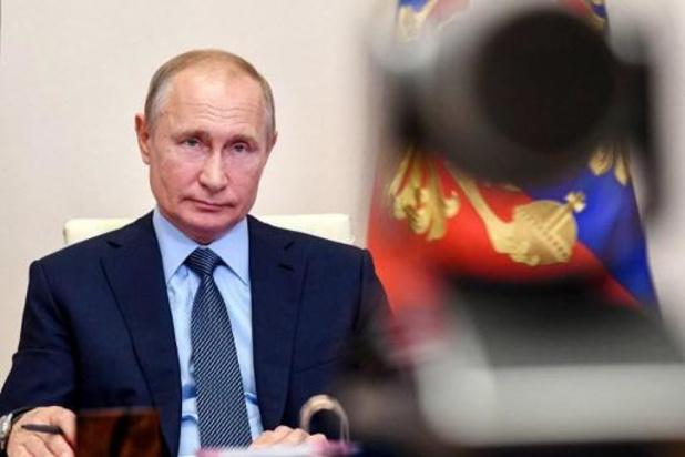 Poetin sluit nieuwe presidentskandidatuur niet uit