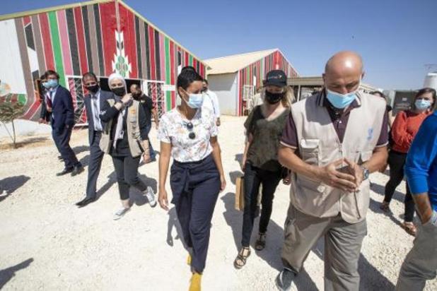 La ministre Kitir à l'écoute de victimes dans le port dévasté de Beyrouth
