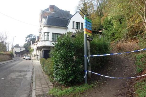 Périmètre de sécurité maintenu après un glissement de terrain à Namur