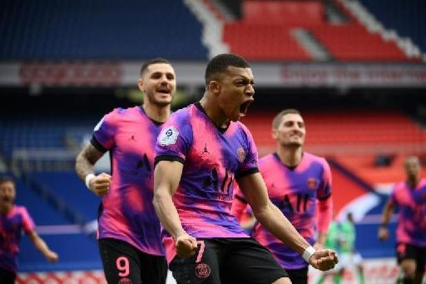 PSG wint op de valreep van Saint-Étienne na zinderend slot