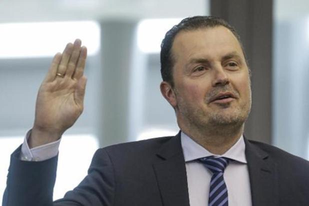 Christophe Magdalijns annonce sa candidature à la présidence de DéFI