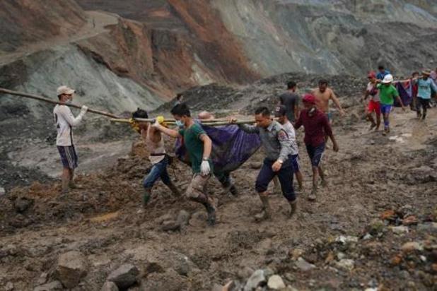 Dodental aardverschuiving Myanmar loopt op tot 126