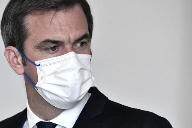"""En France, le ministre de la Santé annonce """"3.000 suspensions"""" de personnels non vaccinés"""