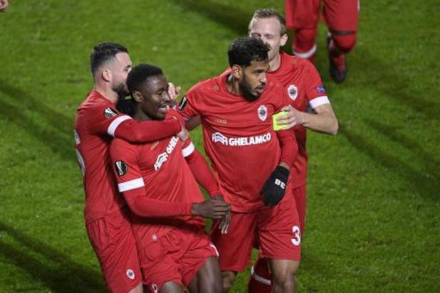 Antwerp beukt tegen Ludogorets poort naar zestiende finales open
