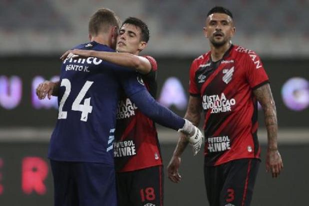 Braziliaanse voetbalclub Athletico Paranaense wilt coronavaccins aankopen voor fans