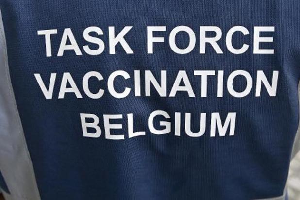 L'arrivée du variant indien lance une course contre la montre pour la vaccination