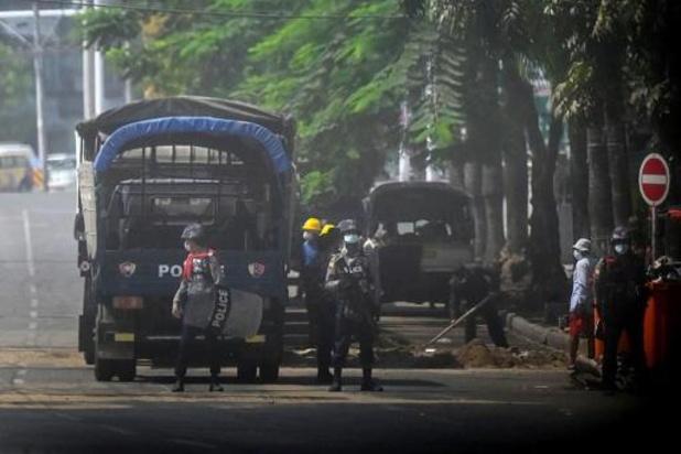 Inwoners ontvluchten grootste stad Myanmar na geweld