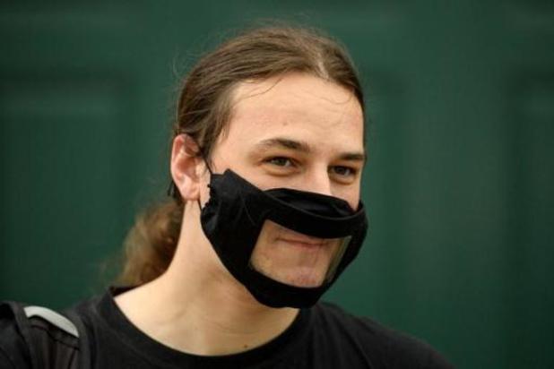 Anderlecht: des masques transparents pour les malentendants et leurs proches