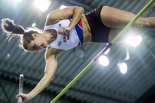 Fanny Smets améliore de 11 cm son record de Belgique indoor à la perche
