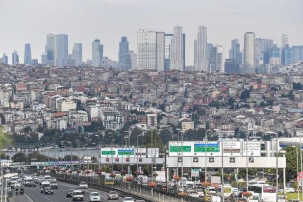 Turkije opgeschrikt door aardbeving met kracht van 6,8 op schaal van Richter