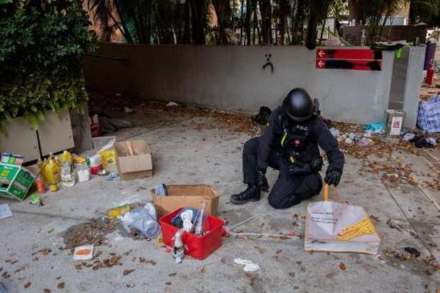 Onrust Hongkong - Politie verzamelt gevaarlijk materiaal op polytechnische universiteit na bezetting