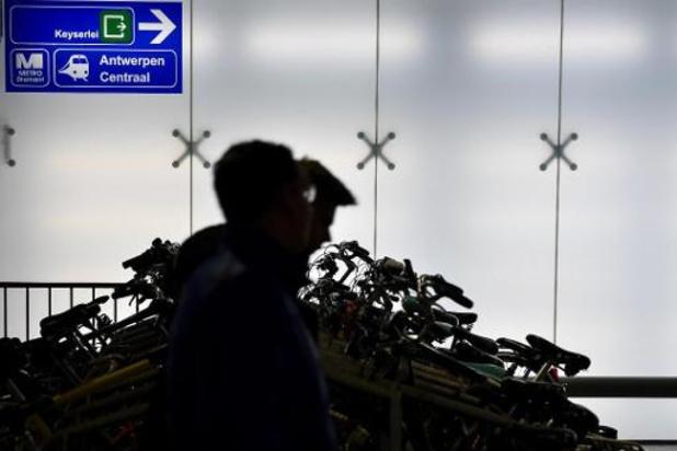 Groen en PVDA protesteren tegen betalend maken van fietsparking aan Antwerpen-Centraal