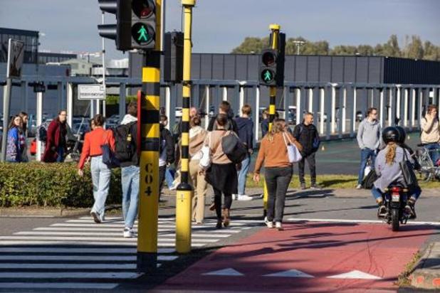 Campus van Vives volledig ontruimd, verdachte nog niet gevonden