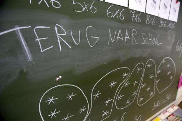 La hausse des cas et des mises en quarantaine dans les écoles continue